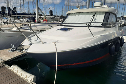 Beneteau Antares 880 HB for sale in France for €80,000 (£68,657)