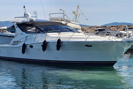 Uniesse 48 Open for sale in France for €189,000 (£162,233)
