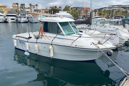 Jeanneau Merry Fisher 635 for sale in France for €17,000 (£14,628)