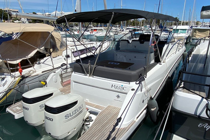 Jeanneau Cap Camarat 10.5 WA for sale in France for €175,000 (£150,783)