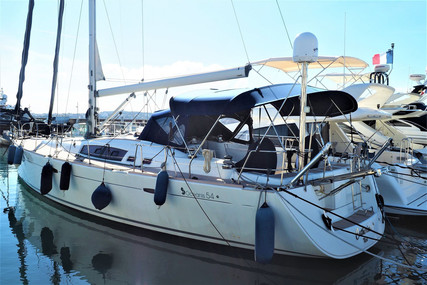 Beneteau Oceanis 54 for sale in France for €240,000 (£206,507)