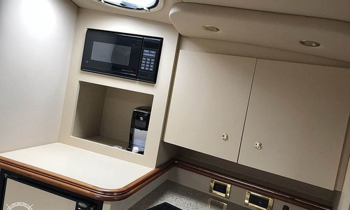 Image of Cruisers Yachts 3275 Express for sale in United States of America for $75,000 (£54,078) Bristol, Pennsylvania, United States of America