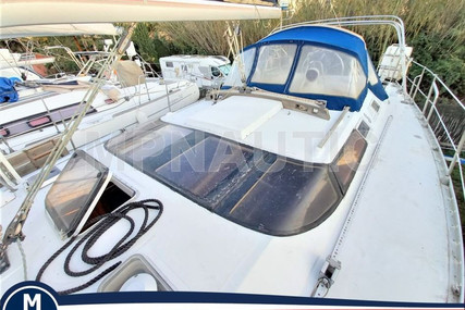 Beneteau Oceanis 430 for sale in France for €55,000 (£47,110)