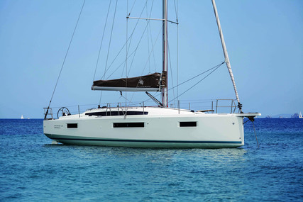 Jeanneau Sun Odyssey 410 for sale in France for €299,900 (£257,427)