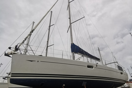 Jeanneau Sun Odyssey 42i for sale in France for €110,000 (£94,236)