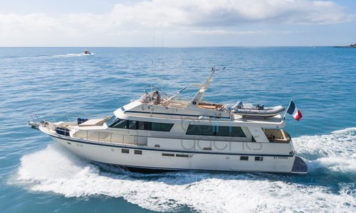 Image of Hatteras 70 for sale in France for €460,000 (£394,298) Cannes, France