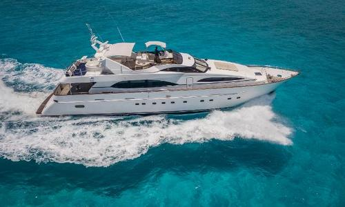 Image of Azimut Yachts 100 for sale in Mexico for $899,000 (£653,904) Cancun, Mexico