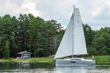 Beneteau Oceanis 30.1 for sale in France for €90,240 (£77,070)