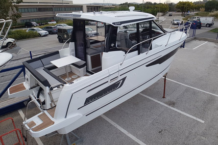Jeanneau Merry Fisher 895 for sale in France for €155,000 (£132,528)