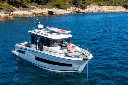 Jeanneau Merry Fisher 895 Marlin for sale in France for €189,000 (£162,005)