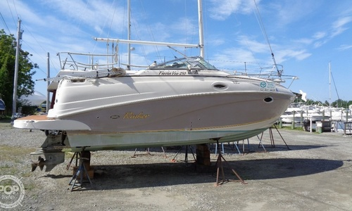 Image of Rinker Fiesta Vee 250 for sale in United States of America for $32,400 (£23,535) Warwick, Rhode Island, United States of America