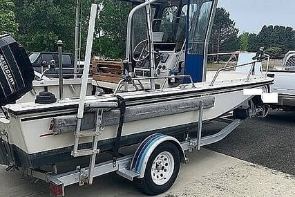 Boston Whaler 19 Outrage for sale in United States of America for $26,800 (£19,213)