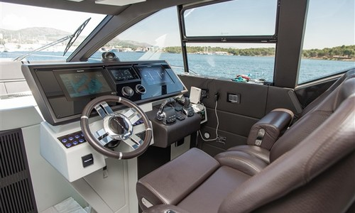 Image of Azimut Yachts S 7 for sale in Croatia for €2,200,000 (£1,877,293) Croatia