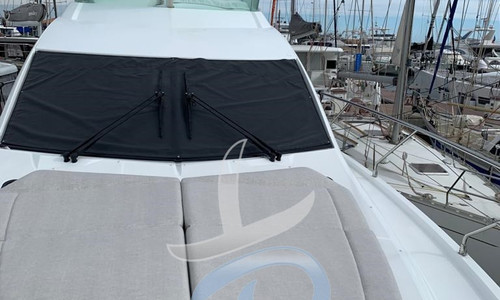 Image of Beneteau Gran Turismo 50 Sportfly for sale in France for €699,000 (£598,474) France