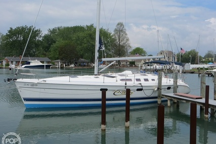 Hunter 466 for sale in United States of America for $188,000 (£135,403)