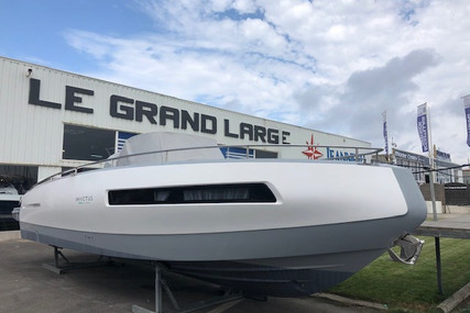 Invictus 280 GT for sale in France for €98,000 (£83,857)