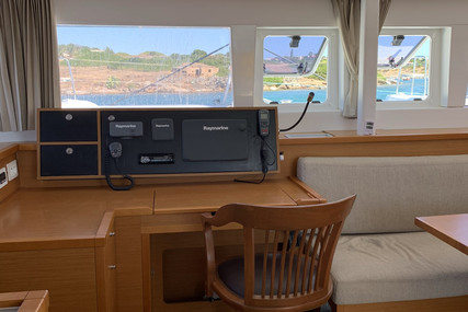Lagoon 450 for sale in Greece for €400,000 (£340,657)