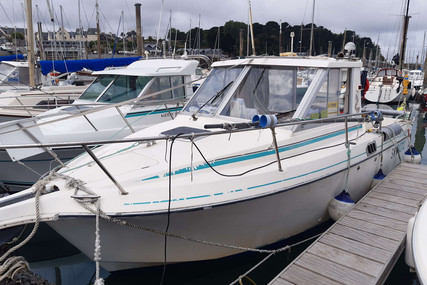 Beneteau Antares 680 HB for sale in France for €16,000 (£13,733)