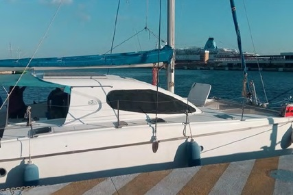 Nautitech 395 for sale in Spain for €130,000 (£110,989)