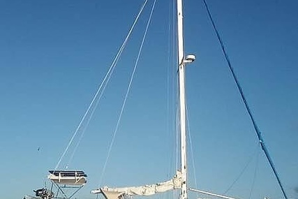 Cal Yachts 39 MkII for sale in United States of America for $38,900 (£28,343)