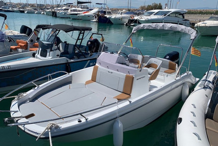Beneteau Flyer 6 Spacedeck for sale in Spain for €46,500 (£39,912)