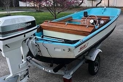 Boston Whaler Sport for sale in United States of America for $12,600 (£8,931)