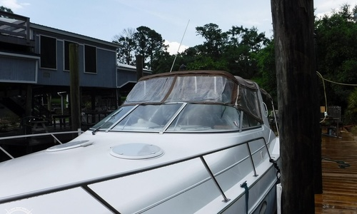Image of Chris-Craft 34 Crowne for sale in United States of America for $24,750 (£17,846) Ocean Springs, Mississippi, United States of America