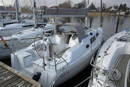Hanse 325 for sale in Germany for €68,000 (£58,025)