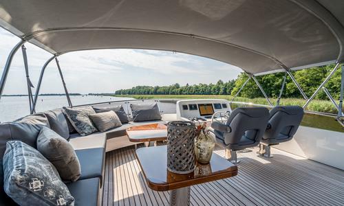 Image of Van Der Valk Flybridge 18m for sale in Netherlands for €1,550,000 (£1,336,610) Waalwijk, Netherlands