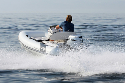 Walker Bay Generation 11 LTE with 4 Seat Console for sale in United Kingdom for £17,950