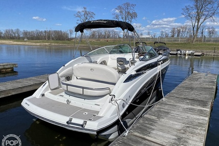 Crownline 264CR for sale in United States of America for $99,000 (£72,050)