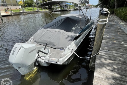 Crownline E 235 XS for sale in United States of America for $89,000 (£63,904)