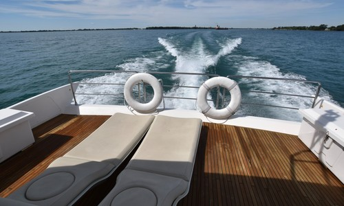 Image of Azimut Yachts for sale in United States of America for $1,299,000 (£939,704) Saint Clair Shores, Michigan, United States of America