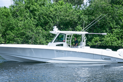 Boston Whaler 300 Outrage for sale in United States of America for $379,000 (£272,233)