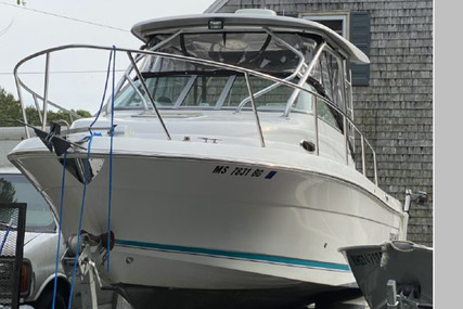Robalo R245 Walkaround for sale in United States of America for $68,500 (£48,996)