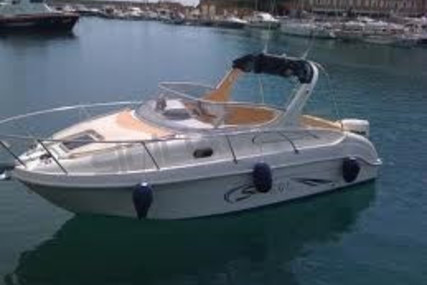Saver 650 cabin sport for sale in Italy for €25,000 (£21,120)