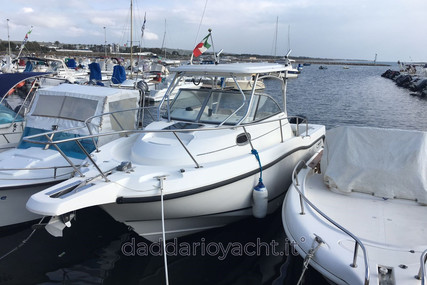 Boston Whaler Conquest 255 for sale in Italy for €70,000 (£59,016)