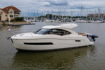 Carver Yachts C37 Coupe for sale in United States of America for $459,000 (£329,571)