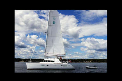 Lagoon 380 for sale in United States of America for $292,000 (£209,662)