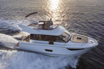 Jeanneau Velasco 37 F for sale in France for €395,000 (£339,059)