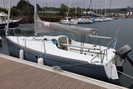 Beneteau First 210 Spirit for sale in France for €9,900 (£8,498)