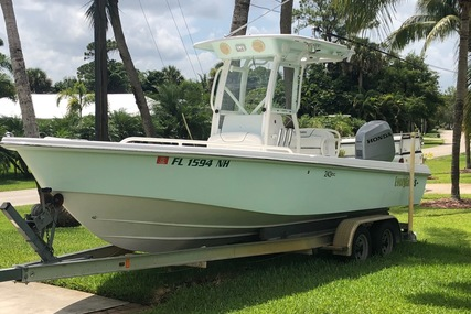 Everglades 243CC With Trailer and No Bottom Paint for sale in United States of America for $56,500 (£40,533)