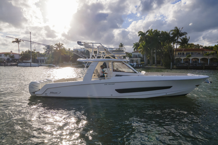 Boston Whaler 420 Outrage for sale in United States of America for $599,000 (£430,257)