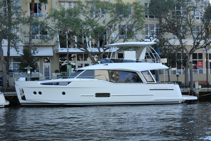GREENLINE 48 Hybrid for sale in United States of America for $1,360,000 (£987,877)