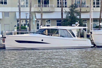 GREENLINE 39 Hybrid for sale in United States of America for $566,529 (£412,528)