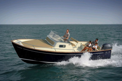 Rhea Marine 27 ESCAPADE for sale in France for €98,500 (£84,015)