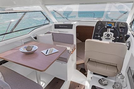 Beneteau Antares 8 OB for sale in France for €74,500 (£63,748)