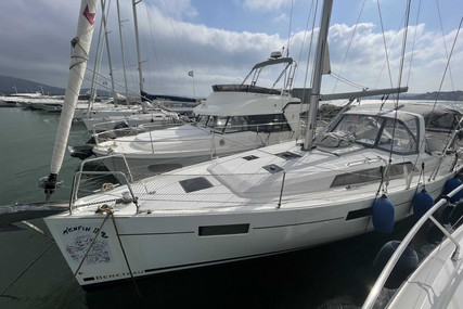 Beneteau Oceanis 41.1 for sale in France for €245,000 (£209,171)