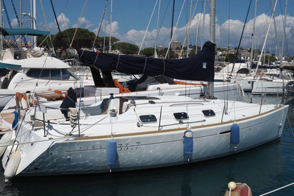 Beneteau First 33.7 for sale in France for €43,000 (£36,253)