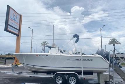 Sea Hunt Triton 225 for sale in United States of America for $38,900 (£27,876)
